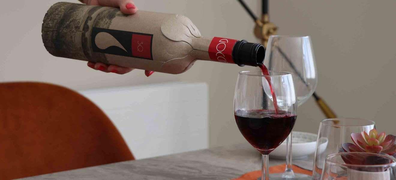 Neue Weinflaschen aus Papier