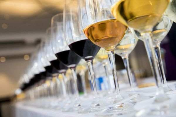 What really determines the mood of the wine market?